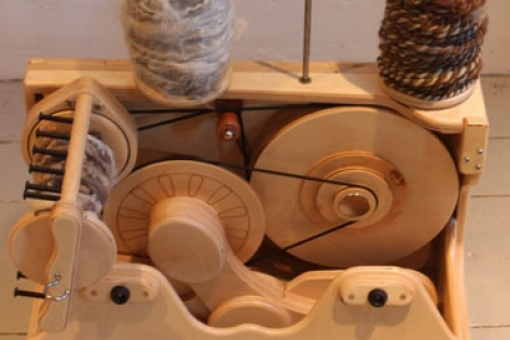 Queen Bee Foldable Travel Wheel